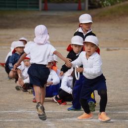 1年生が授業参観で学年運動会を行いました!